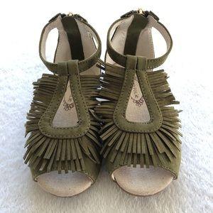 Joyfolie Delia size 9 olive fringe boho sandals